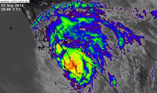 Huracán Odile sigue provocando intensas lluvias en México tras causar destrozos