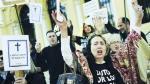 España: La crisis regional golpea a empresas y familias - Noticias de sanofi