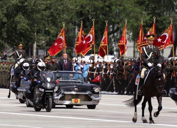 Turquía conmemora el aniversario 92 de su victoria sobre Grecia que le permitió su independencia
