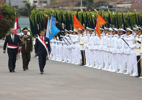 Presidente Humala clausuró año académico de la Escuela de Oficiales de la PNP