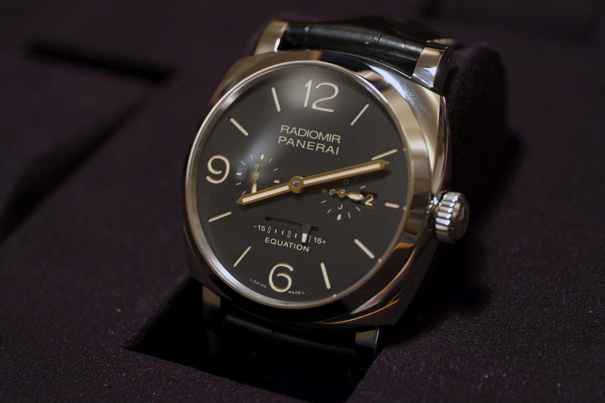 Parmigiani Pantograph Este reloj se ha hecho esperar por un tiempo. Las  agujas se pliegan hacia adentro y afuera para siempre estar a la misma  distancia del ... d1cddd262066