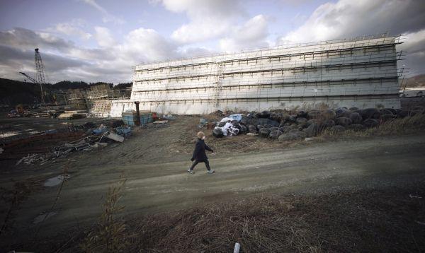 Japón construye diques de cemento para defenderse de tsunamis - Noticias de