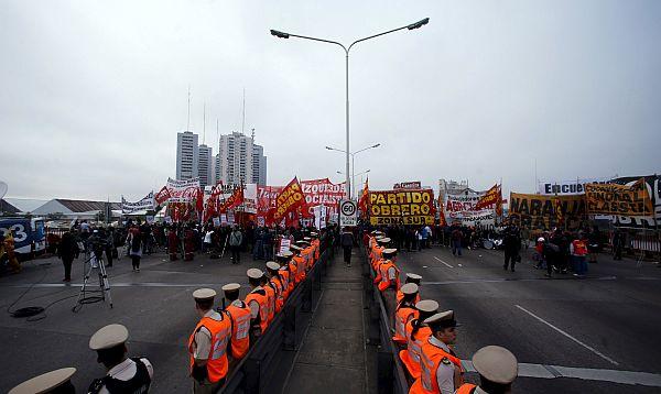 Huelga general golpea a Gobierno argentino meses antes de las elecciones - Noticias de huelga