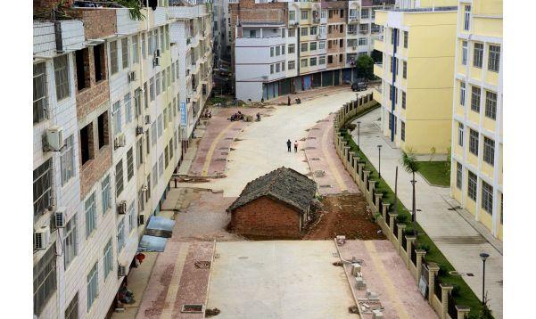 En el centro mismo de la carretera - Noticias de demoliciones