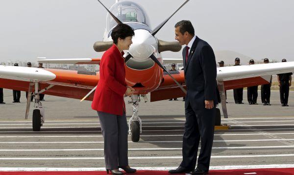 Presidentes de Corea y Perú presentaron avión de entrenamiento KT-1P - Noticias de park geun-hye