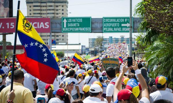 Venezuela podría haberse perdido US$ 24,000 mlls. en ingresos petroleros en el 2014 - Noticias de consecuencia