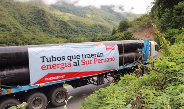 Flota de camiones transporta los tubos para el Gasoducto Sur Peruano - Noticias de kiteni
