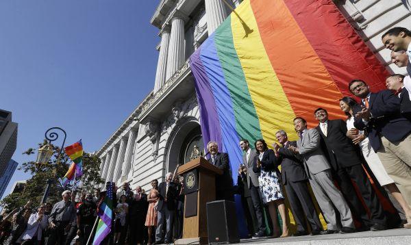 San Francisco celebra decisión de Corte Suprema de EE. UU. de aprobar el matrimonio gay - Noticias de san francisco ed lee