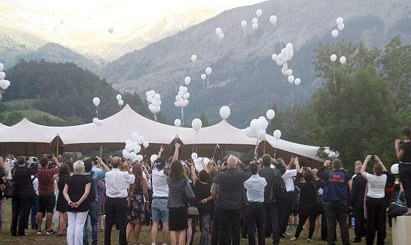 Familias de víctimas de Germanwings se reúnen para sepelio - Noticias de airbus
