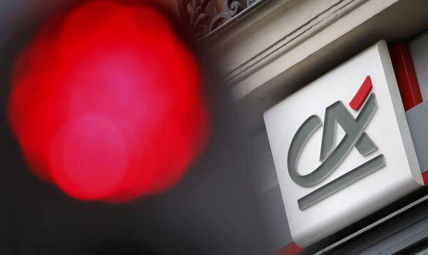 Acciones de banco francés Crédit Agricole caen 9.7% ante anuncio que no simplificará su estructura