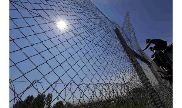 Récord de migrantes ingresa a Hungría - Noticias de record