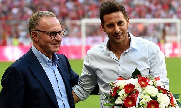 Claudio Pizarro recibió homenaje en su despedida del Bayern Múnich - Noticias de claudio pizarro