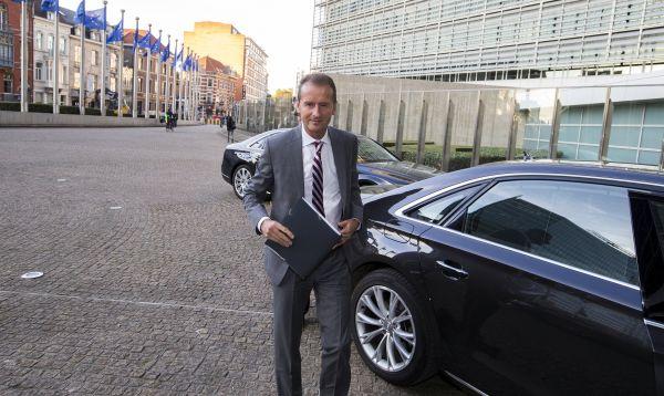 Comisión Europea exige a Volkswagen explique el fraude de las emisiones - Noticias de herbert diess