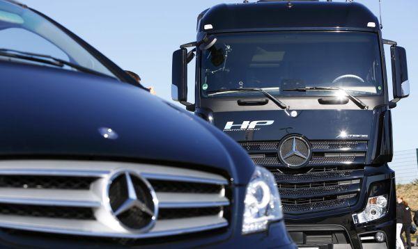 Mercedes-Benz hizo la primera prueba en una autopista de su camión autónomo Actros - Noticias de vehiculos autonomos