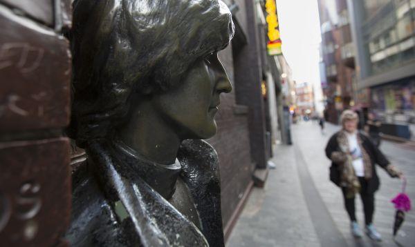 Fánaticos en todo el mundo de John Lennon celebran el 75 aniversario de su nacimiento - Noticias de john lennon