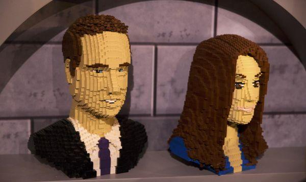 Exhiben figuras de Lego del príncipe William y su esposa Catherine - Noticias de  príncipe william