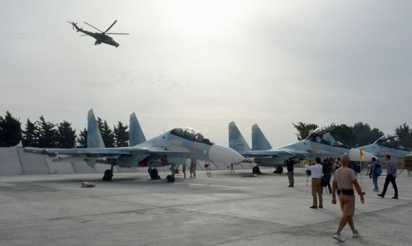 Rusia muestra su base de operaciones áreas en Siria - Noticias de bashar al assad