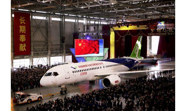China lanza avión de pasajeros para competir con Boeing y Airbus - Noticias de airbus