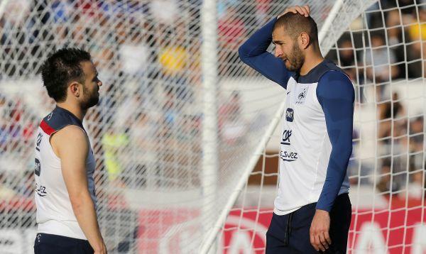 Futbolista francés Karim Benzema pasará la noche tras las rejas - Noticias de detenidos