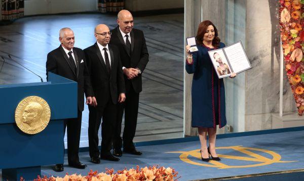 Grupo democrático tunecino recibe premio Nobel de la Paz - Noticias de alfred nobel
