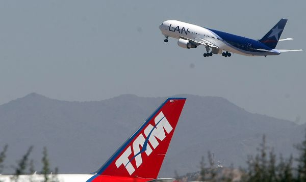Latam cancela vuelos locales en Chile por huelga de aeronáuticos - Noticias de huelga de trabajadores