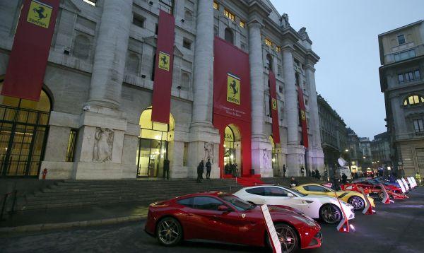 Acciones de Ferrari se estabilizan en su primer día de cotización en bolsa de Milán - Noticias de fca