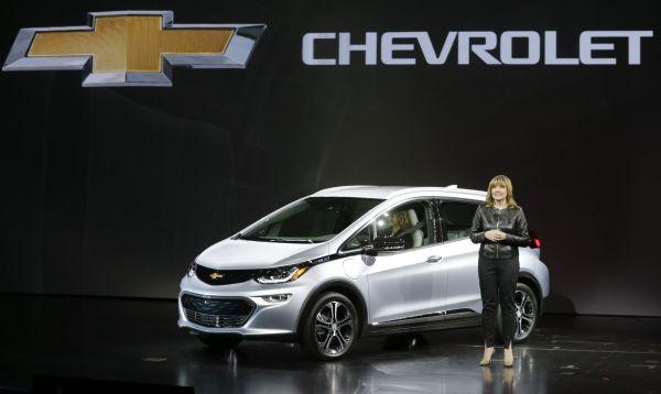 """GM presenta su automóvil eléctrico """"accesible"""" Chevrolet Bolt - Noticias de mary barras"""