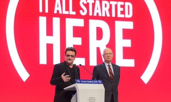 Bono celebra décimo aniversario de Product Red en Davos 2016 - Noticias de klaus schwab