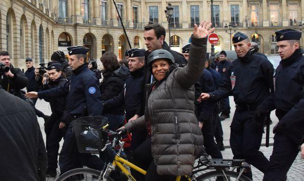 Dimite la ministra de Justicia francesa por proyecto de retirada de nacionalidad - Noticias de christiane taubira