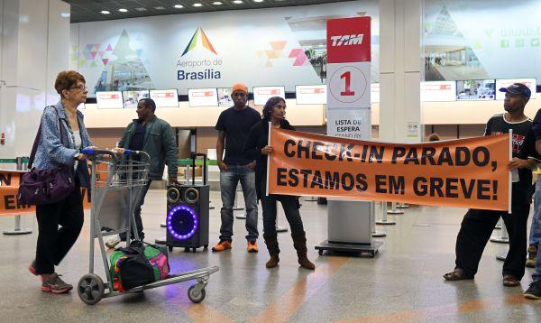 Trastornos en aeropuertos brasileños por huelga de pilotos y funcionarios - Noticias de huelga de trabajadores