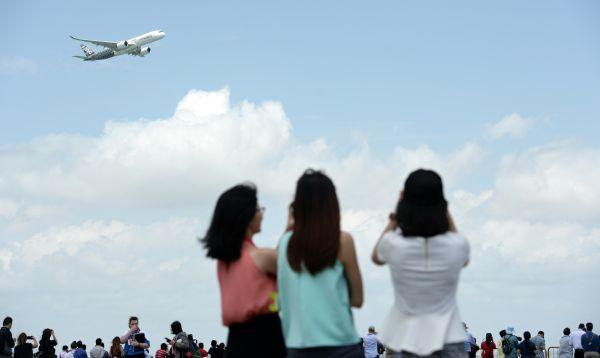 Boeing y Airbus firman jugosos contratos en Salón de la Aeronáutica de Singapur - Noticias de sector privado
