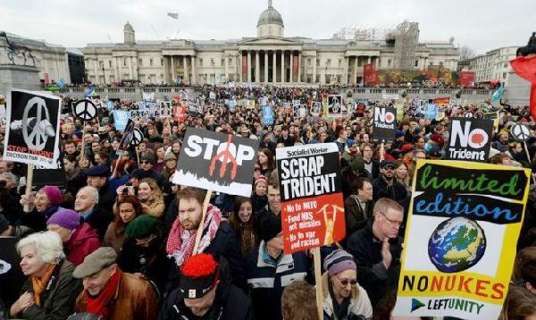 Londres: miles protestan contra renovación de plan nuclear británico - Noticias de escocia