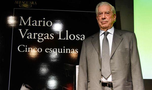 """Mario Vargas Llosa critica el periodismo """"amarillo"""" en su última novela - Noticias de mujer peruana"""