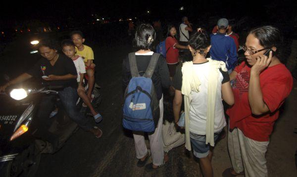 Terremoto de magnitud 7.8 sacude costas de Indonesia - Noticias de sumatra