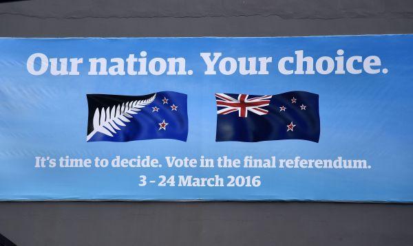 Nueva Zelanda vota si se dota de una nueva bandera nacional - Noticias de foto papeletas