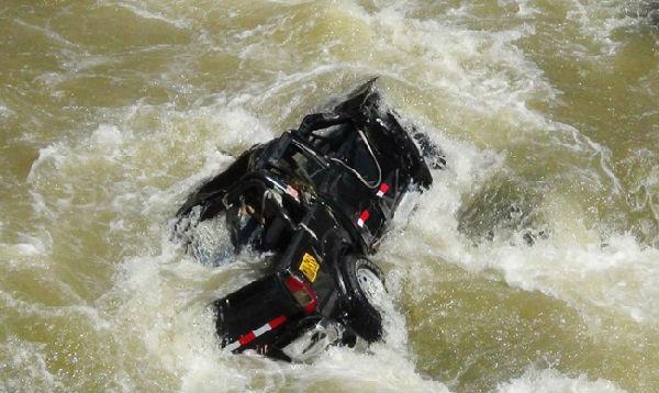 Caída de camioneta a río deja diez desaparecidos en el Cusco - Noticias de vuelco