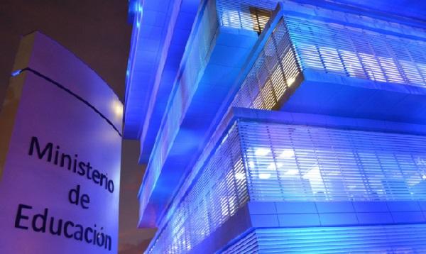 Lima: Ministerios y Municipios se iluminan de azul por el Día Mundial del Autismo - Noticias de puente villena
