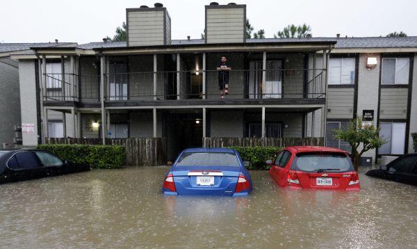 Inundaciones y lluvias azotan Houston y zonas circundantes - Noticias de clases escolares