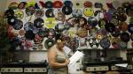 Vendedor de vinilos muestra poder del comercio conversacional - Noticias de discos de vinilos