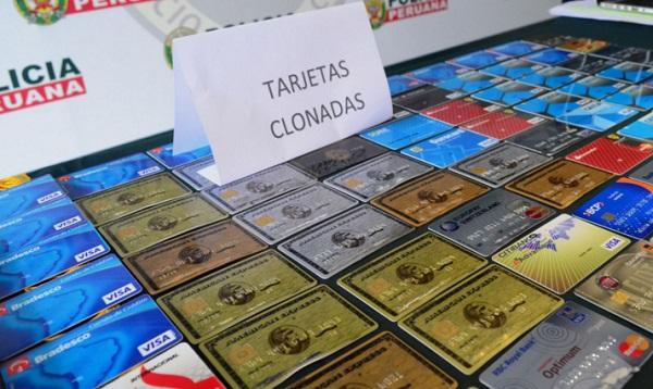 Detienen a dos brasileños con cien tarjetas de crédito clonadas - Noticias de tarjetas clonadas