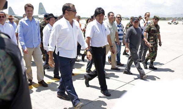 Presidente boliviano llega a Ecuador con ayuda humanitaria - Noticias de rafael santos