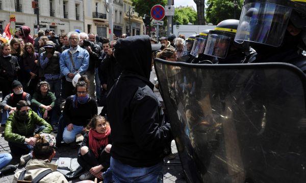 Fuerte resguardo policial durante marchas en Francia por el Día del Trabajo - Noticias de resguardo policial