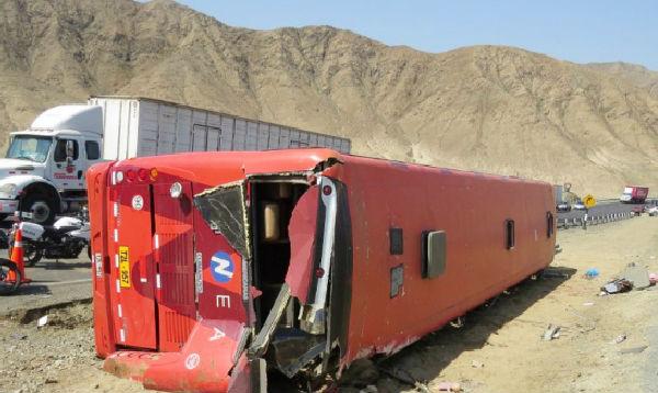 La Libertad: volcadura de bus deja 15 fallecidos - Noticias de accidente de bus