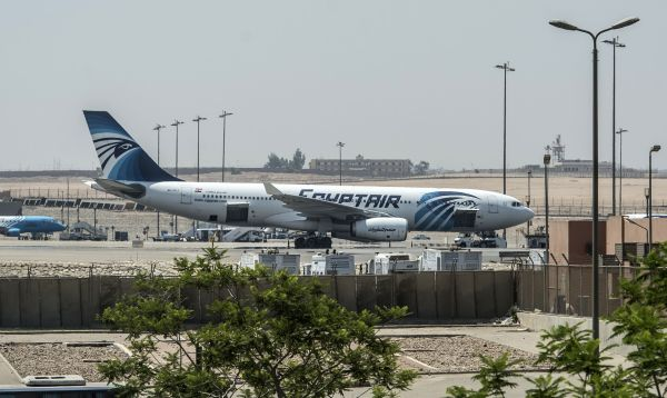 Avión de EgyptAir se estrella en el Mediterráneo y no se descarta un atentado - Noticias de airbus