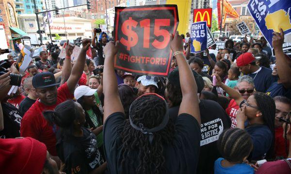 Protestan contra McDonald's por bajos salarios en Chicago - Noticias de corp mcdonald