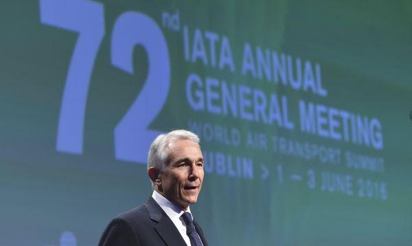IATA: Aerolíneas estiman que ganancias en 2016 serían mayores de lo previsto - Noticias de economía global