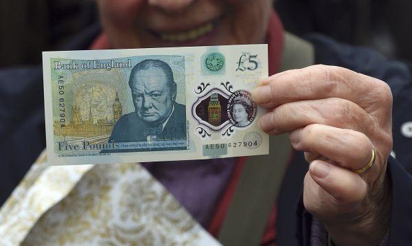 Reino Unido emite su primer billete plástico - Noticias de winston churchill