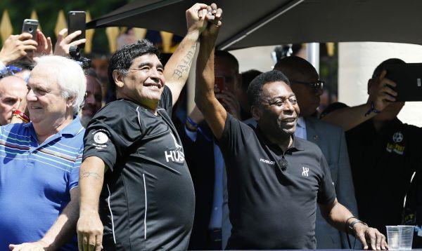 Pelé y Maradona se enfrentan en partido en París a un día de la Eurocopa - Noticias de angelo peruzzi
