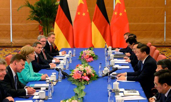 Líderes de China y Alemania restan importancia a tensiones sobre estatus comercial de Pekín - Noticias de li keqiang