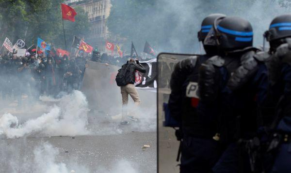Incidentes en París en manifestación contra reforma laboral en plena Eurocopa - Noticias de reforma laboral